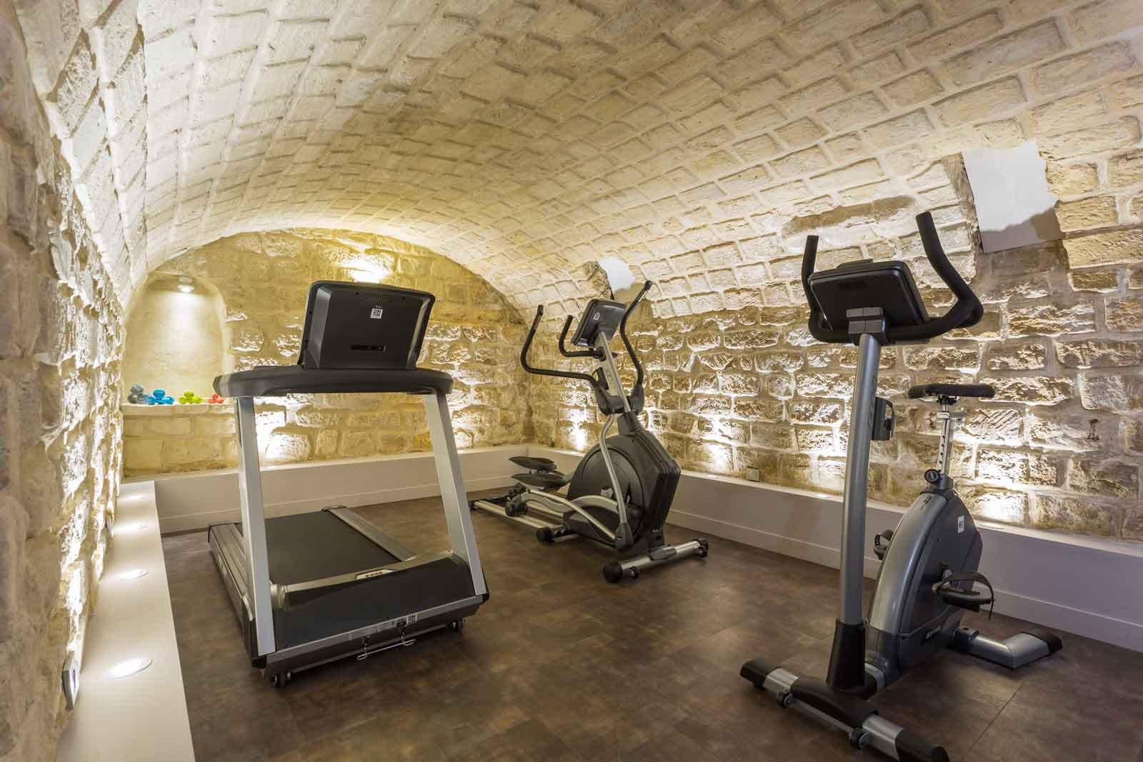 Fitnessraum hotel  Fitnessraum in einem Hotel inmitten von Paris 17 | Jardin de Villiers