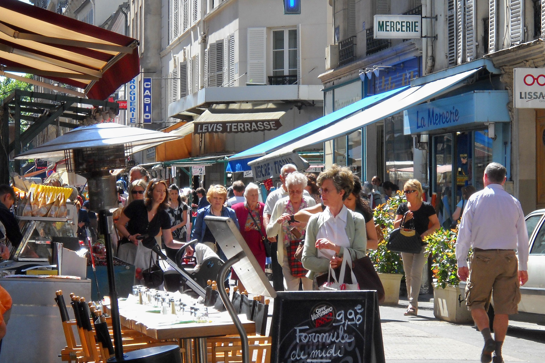 Hotel Rue De Levis Paris