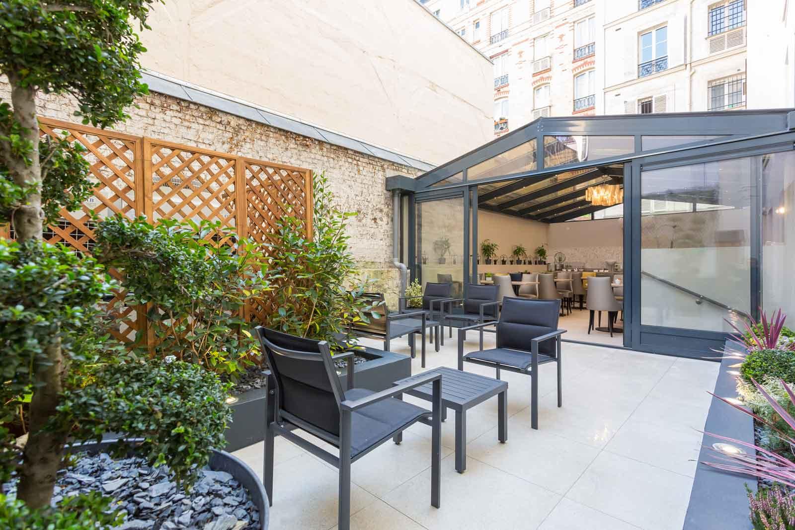 the flowered terrace hotel jardin de villiers paris 17. Black Bedroom Furniture Sets. Home Design Ideas